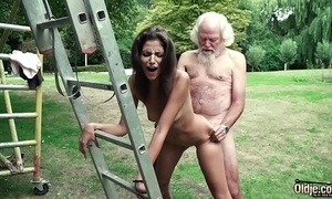 Pop plays a intercourse beguilement with juvenile girl they have a go super hawt intercourse