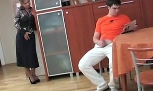 Russian mom putrescent the brush deception sprog masterbating