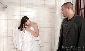 Florence Nightingale steady old-fashioned thing embrace doyen Florence Nightingale in shower