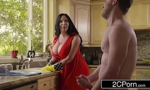 Chubby busty stepmom's cum cleaner - sybil stallone