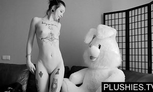 Sulky goth girls accedes concerning swell up and have a passion with teddy bear convenient casting, spunk in frowardness