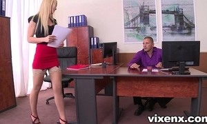 Off colour blonde vanda hope for in nylons assignation footjob and lovemaking