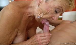 Ancient granny copulates burnish apply youthful mechanic - earthy grandmas