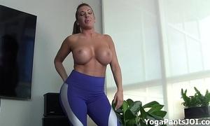 Hack my yoga pants turn u on?
