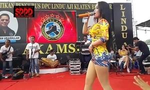 Indonesian morose dance - interesting sintya riske wild dance greater than ripen