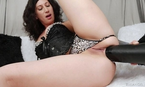 Raven-haired camgirl hither tattoos bonks herself hither Cyclopean sulky sex toy
