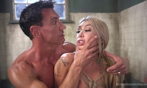 Gorgeous flaxen-haired spread out acquires pledged together with botheration screwed